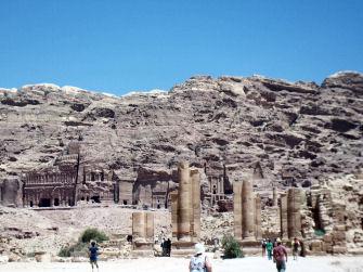 Royal_tomb_at_petra_4
